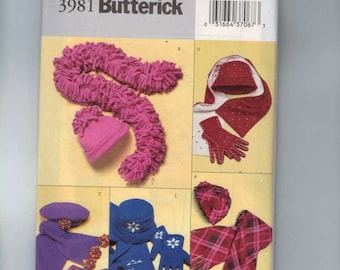 Accessories Sewing Pattern Butterick 3981 Fleece Hats Gloves and Scarves UNCUT