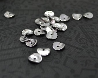 30pcs of  Petite Shiny Silver Plated Gorgeous Curved Disk Bead Caps Charms Q23-Rd