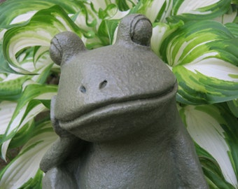 Frog Garden Statue, Relaxing Concrete Frog, Cement Garden Art Decor, Green Frogs, Concrete Yard Art Statues, Garden Statue, Concrete Statue