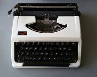 Vendex Typewriter made in Holland '60