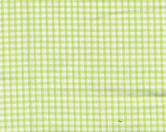 Gingham checkered white and Green apples