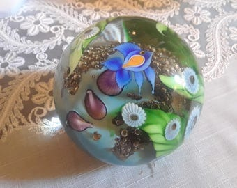 Flume Paperweight/Glass Art Fish motif