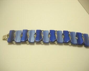 Vintage Blue Thermoset Bracelet (4892)