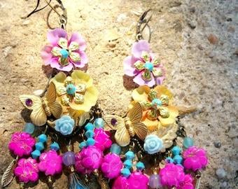 Longues boucles romantiques fleuries bohême multicolores