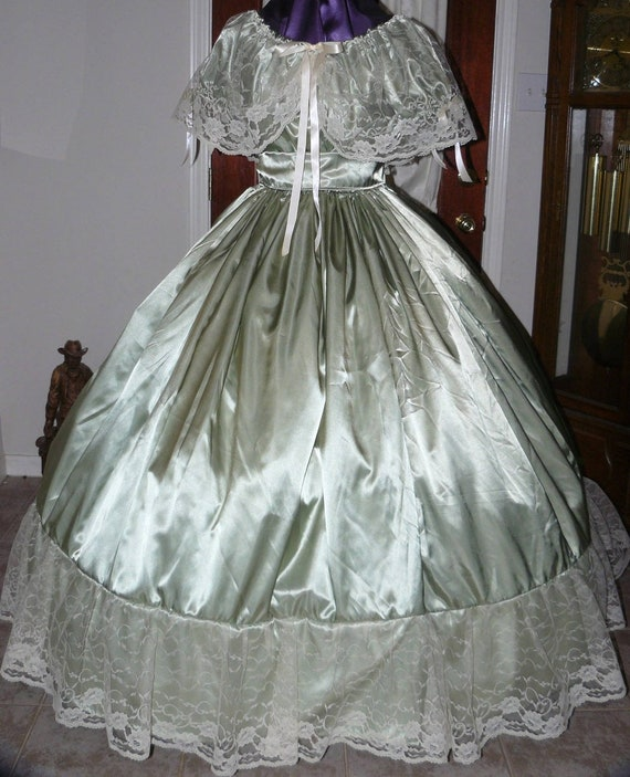 Used Plus Size Ball Gowns: Civil War Reenactment Costume Ball Gown Wide Lace Satin Ladies