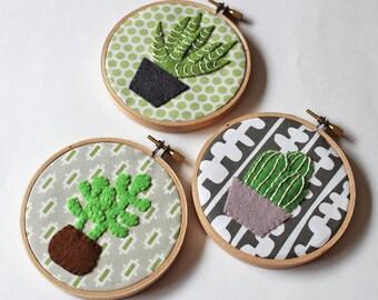 Cactus wall art embroidery hoop home decor cacti succulents plants green felt appliqué wall decor leaf potted plants