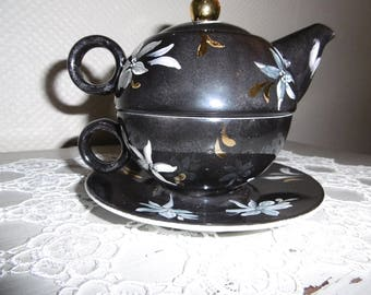 Selfish hand painted porcelain teapot: flowers on black iridescent and shiny gold buttons
