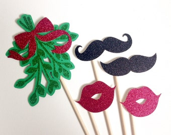 Glitter Mistletoe w/ Glitter Mustaches and Lips Photo Booth Props . Photo Booth Props . Christmas . Holiday . Glitter . Set of 5