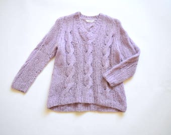 Chunky cable knit wool sweater | size medium | raglan sleeve sweater | 1980s purple pink wool cable knit sweater | V neck