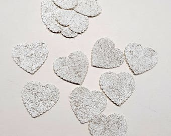 30 hearts in relief paper, metallic white color - 2.3 cm