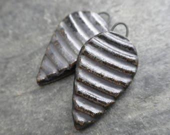 Corrugated- handmade artisan ceramic earring bead pair metallic charcoal 4152