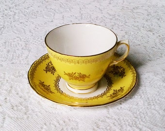 Colclough Bone China Yellow and Gold Tea Cup & Saucer - Made in England