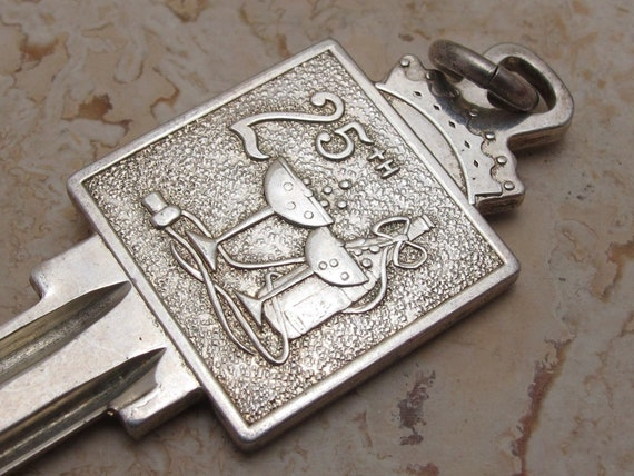 "Vintage... Solid Sterling Silver ""925"" 25th Anniversary Ingot Key Pendant.Uncut And Ready To Use !"