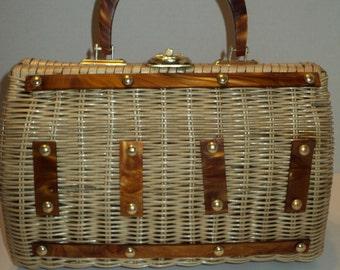 Vintage Straw Handbag Purse, Well Woven Straw Handbag Purse with Amber Colored Plastic Handles  in Mid Century Modern Style