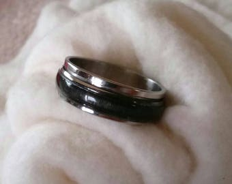 Stainless Steel 8mm Black Opaque Center Spinner Ring Band Size 12 1/2- Vintage