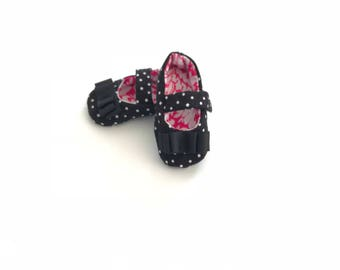 Soft Sole Baby Shoe - Mary Jane-style in black and white polka dots, accented with black bows