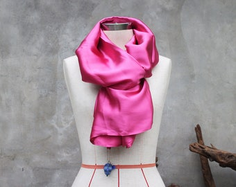 Pink silk weighted scarf with large blue howlite skull charm