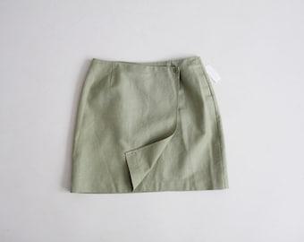 jupe en lin sage | jupe portefeuille courte | jupe verte en sourdine
