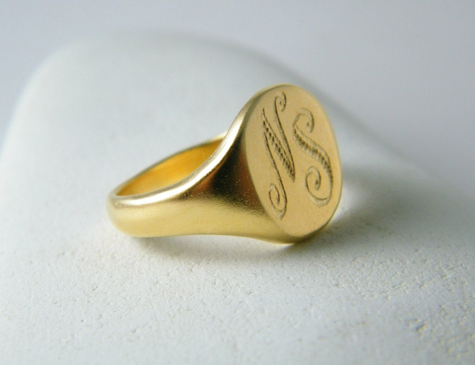 Gold signet ring Monogram signet ring personalized ring