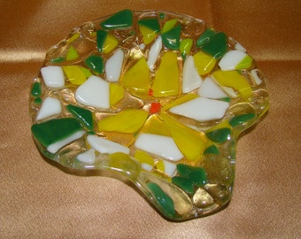 Vintage spoon rest, Green's, yellow and white fused glass spoon rest,retro pattern, Gift for her, gift for him, gift for the cook, gift