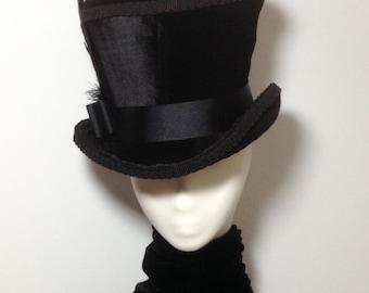 Gothic Victorian black velvet Mad hatter raven top hat