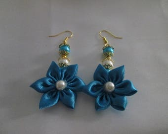 Turquoise satin and Pearl flower earring