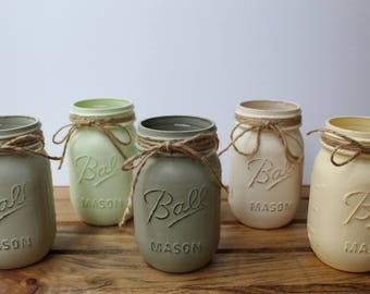 Set of 5 PINT Size Mason Jars. Distressed Mason Jars. Handpainted Mason Jars. Wedding Centerpiece. Home Decor.