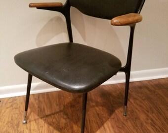 Mid Century Modern Shelby Williams Gazelle arm chair