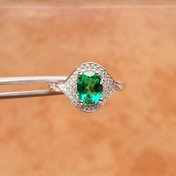 bague en vert meraude pierre pr cieuse meraude bijoux bague. Black Bedroom Furniture Sets. Home Design Ideas