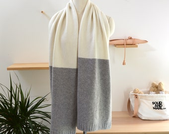 Oversize Scarf Knitting Kit, Oversize Scarf Knitting Pattern, DIY Knitting Kit, Grey and White Scarf Pattern, Easy Knitting Pattern