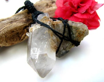 Quartz Necklace / Crystal Necklace / Quartz crystal / Wand / Perfect graduation gift / Crystal Heal / Healing / Winter trend / Gift Guide