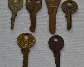 Set of 6 Original Vintage Salvaged Industrial Gold Brass Plated Keys