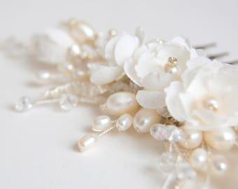 Bridal hair piece Pearl hair comb Bridal hair comb Hairpiece Bridal headpiece Flower hair comb Wedding hair comb Crystal hair comb Headpiece