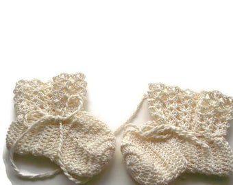 "Baby Booties Off White Baby Shoes Crochet Booties 4 "" Newborn Shoes OOAK Booties Reborn Baby Doll"