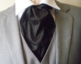 The 'Rhett' black cravat in maverick shantung