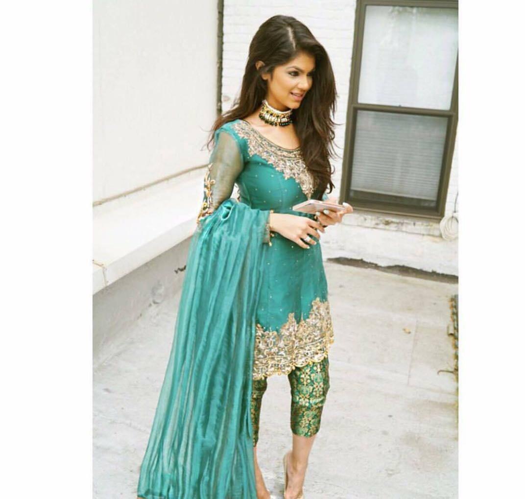 Pakistani Formal Wear Gorgeous green chiffon and jamawar