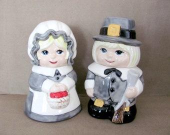 Vintage Thanksgiving, 1980's Pilgrim Canisters, Pilgrim Candy Jars, Ceramic Pilgrims, Vintage Handmade, Thanksgiving, Fall Decor, Decoration