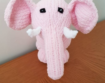 Pink elephant. Hand knitted