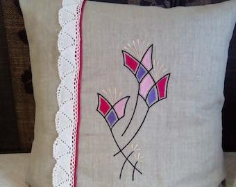 Pillow cover: geometric flower