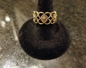 Gold Flower Band Ring