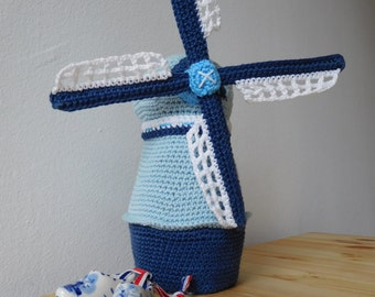 Crochet Dutch Windmill