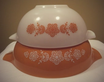 Vintage Pyrex Butterfly Gold and White Flowers Nesting Mixing Bowls Flowered Colored Set of Two Mixing Collectable Set