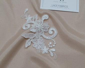 Ivory Lace applique, Ivory lace, French Chantilly lace applique, 3D lace, bridal applique, Applique M0057