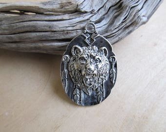 Head pendant 48 x 33 x 10 mm antique silver metal grizzly bear.