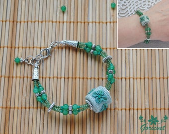 Embroidered bracelet Nature jewelry Four leaf clover good luck gift for girl Seed bead bracelet Botanical art hand embroidered leaf bracelet
