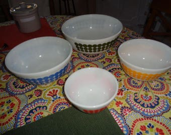 Vintage set Pyrex Polka Dot Bowls set 401 402 403 404 Retro Kitchenalia