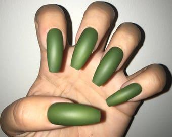 EverGreen Acrylic Nails