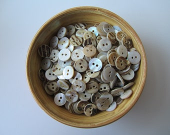 Mother of pearl MOB buttons 11 mm button nr. 72 | 50 pieces