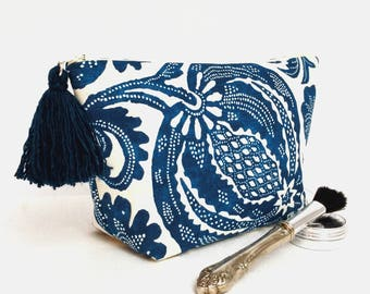 Toiletry bag for women, floral makeup bag, blue floral zippered pouch, accessory pouch, floral cosmetic case, blue zippered travel pouch
