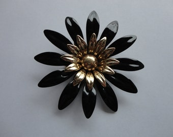 VINTAGE black and gold sarah coventry FLOWER BROOCH pin